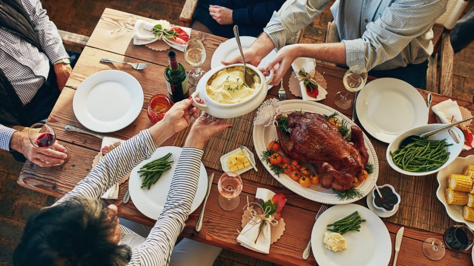 How to celebrate Thanksgiving outside