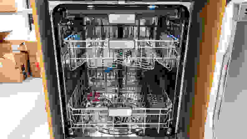 Sharp SDW6757ES Dishwasher Review — Interior