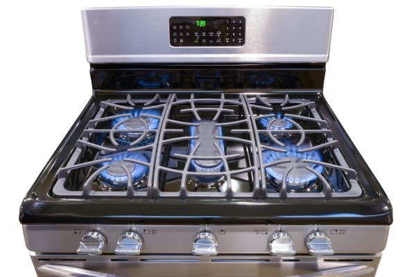 We were impressed by this rangetop's boiling speeds.