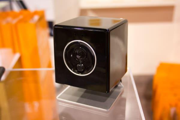 Oomi Cube lens