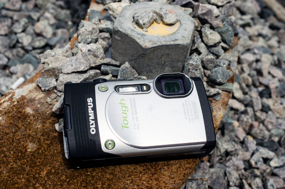 Review for the Olympus Stylus TG-850 point and shoot camera.