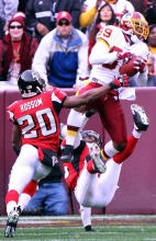 Santana_moss_leaping_catch.jpg