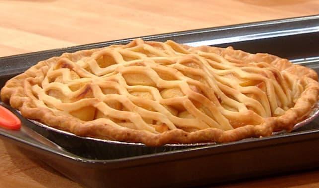 Rachael-Ray-Maple-Bourbon-Apple-Pie.jpg