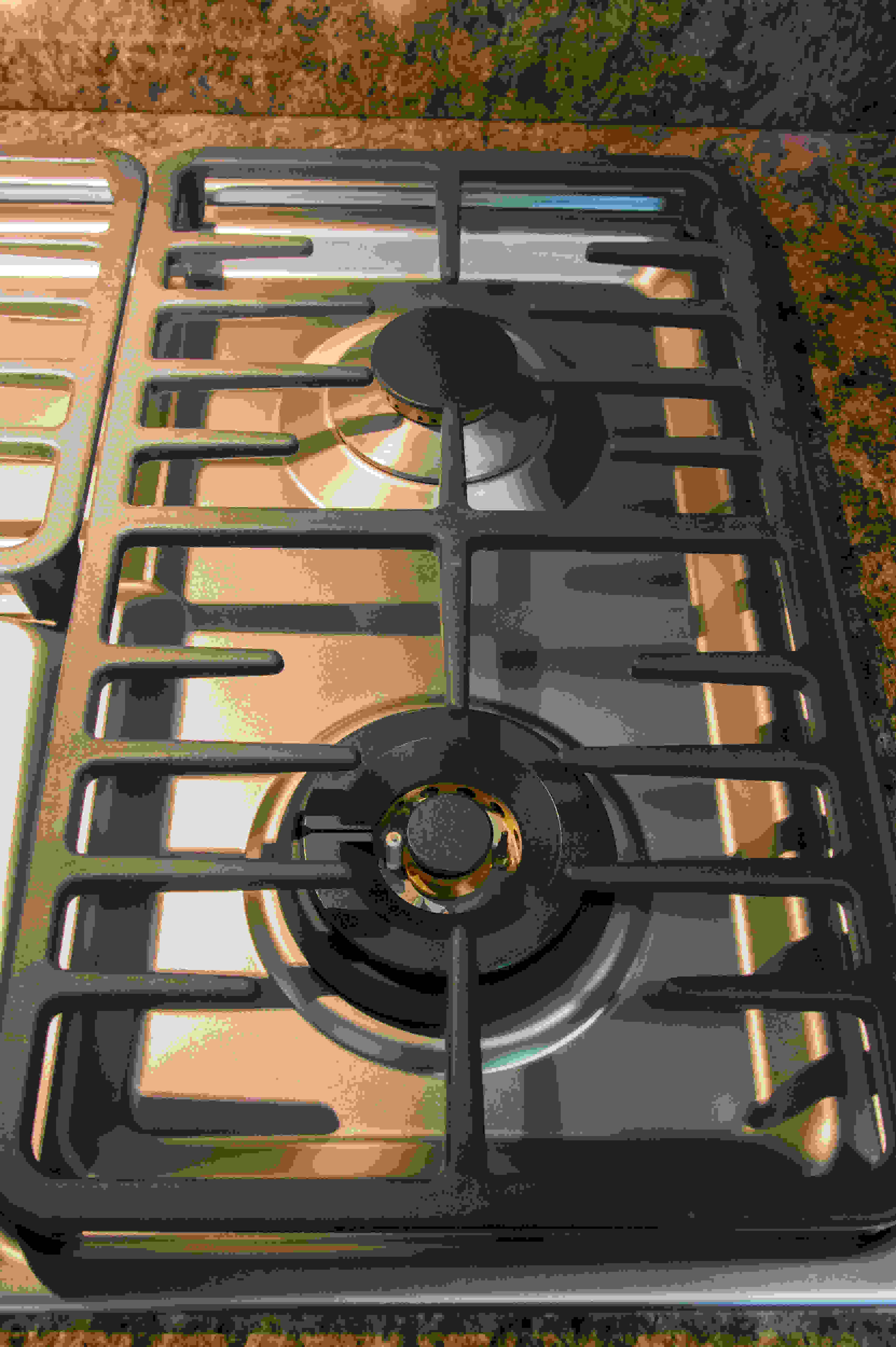 grates on right side of cooktop