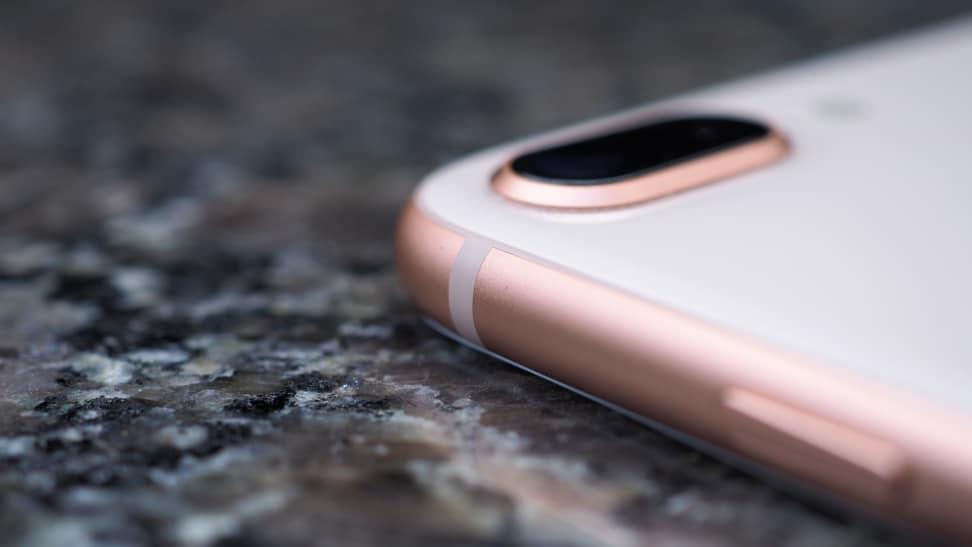 iPhone 8 Plus Antenna Line