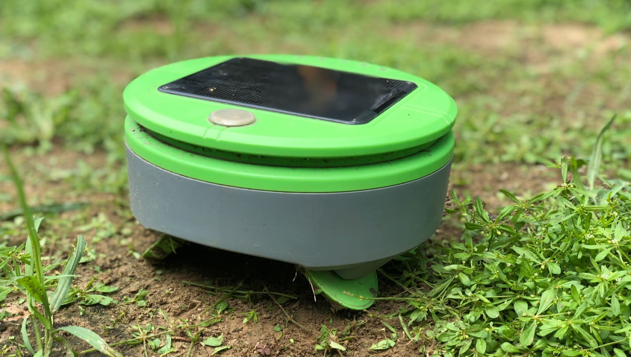 This robot will weed your garden—watch how it works