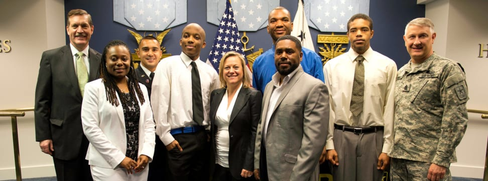 Members of the U.S. Army's PaYS program pose with Sony Computer Entertainment America representatives.
