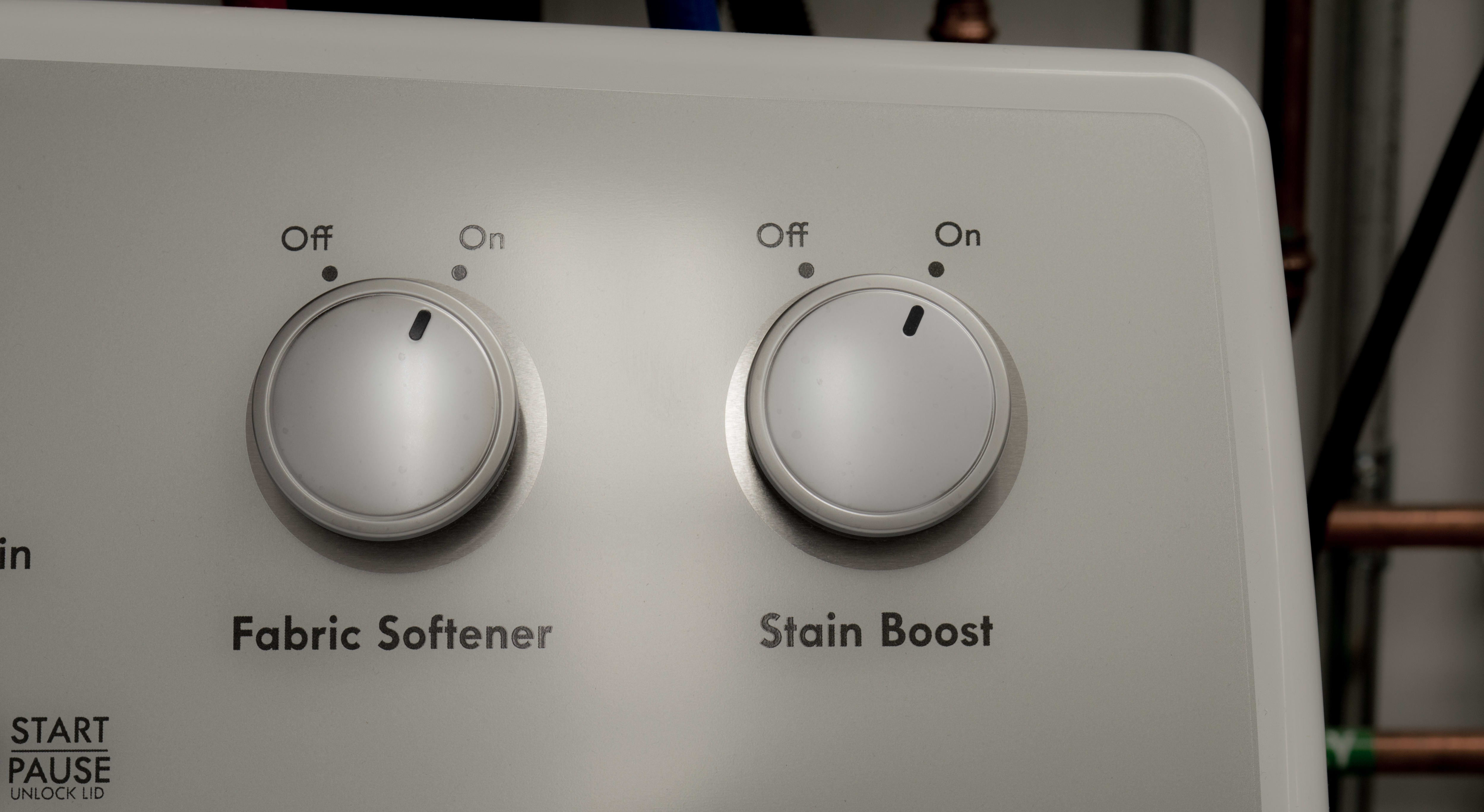 Stain Boost allows you to prolong selected cycles.