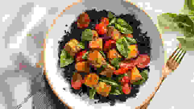 Sun Basket's Curried tempeh stir-fry with black rice