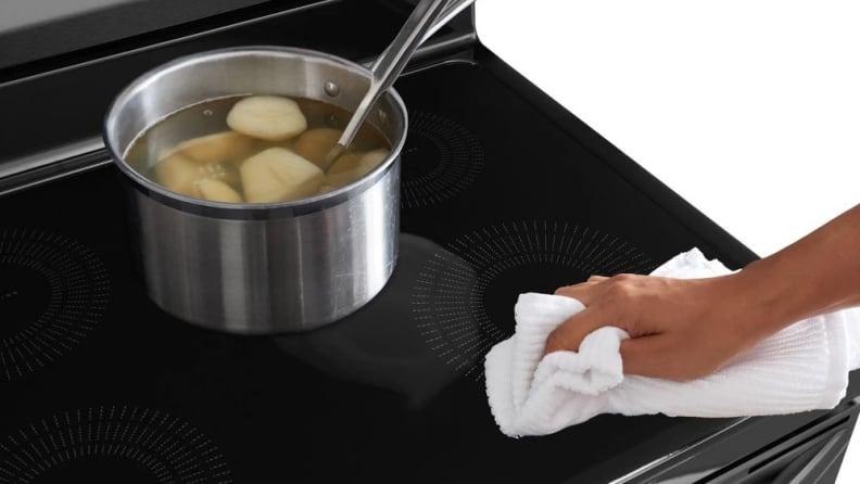 Towel-on-Frigidaire-FFIF3054-induction-range