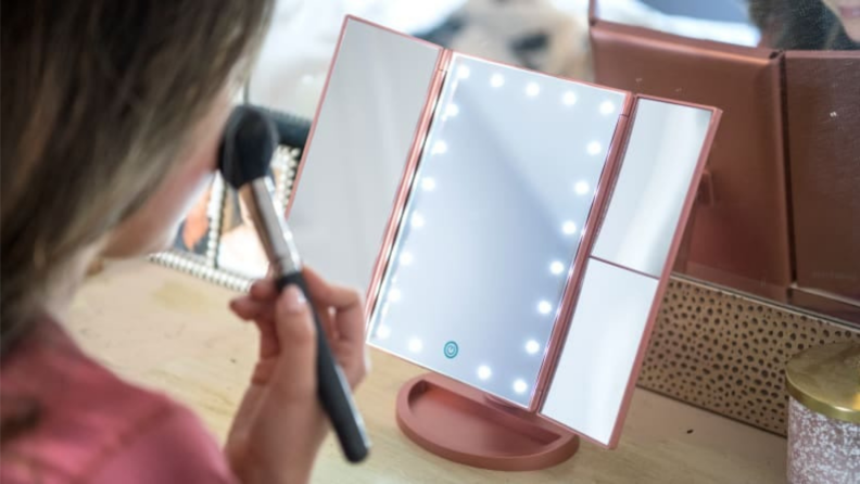 Mother's Day gifts on Amazon: Lighted Makeup Mirror