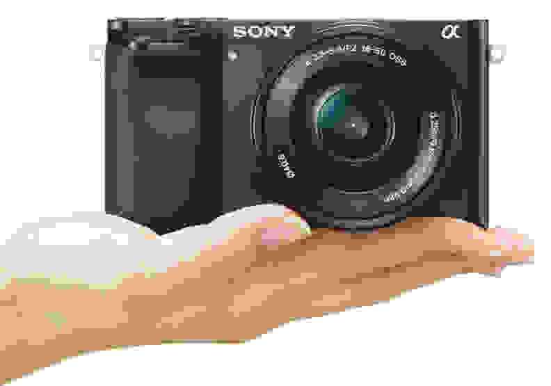 Sony-A6000_handling.jpg