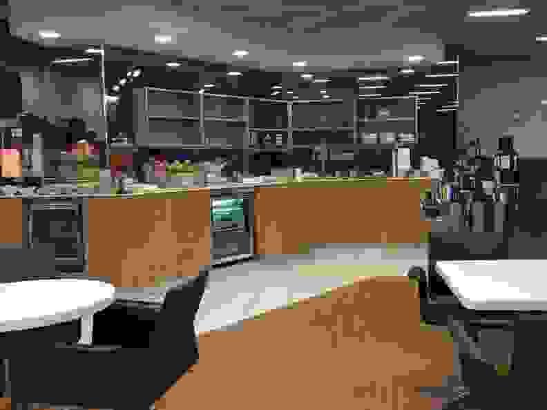 Airport Club