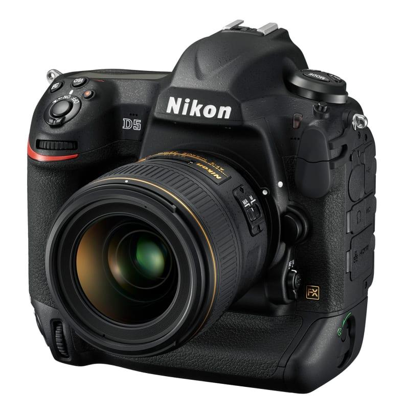 Nikon D5 Front