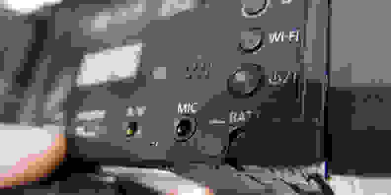 PANASONIC-WX970-FI-DESIGN-MIC.jpg