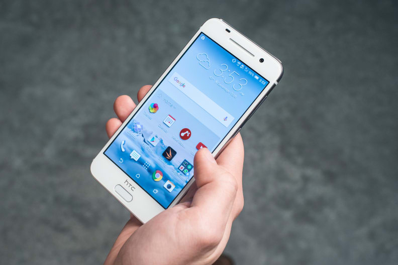 htc-one-a9-in-hand