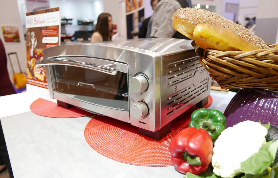 Black & Decker's 5 Minute Pizza Oven delivers on its promises.
