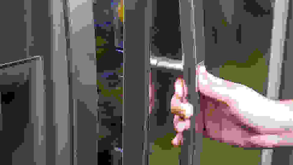 LG-LSXS26366S-activating-door-in-door