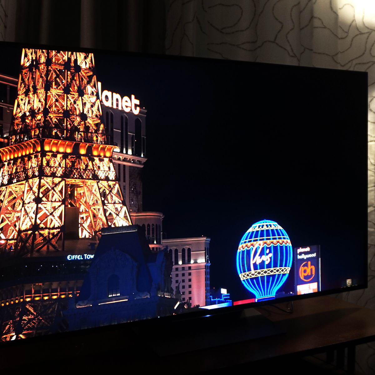 WHY DOES MY 4K TV LOOK BLURRY SONY - Panasonic EZ952 review