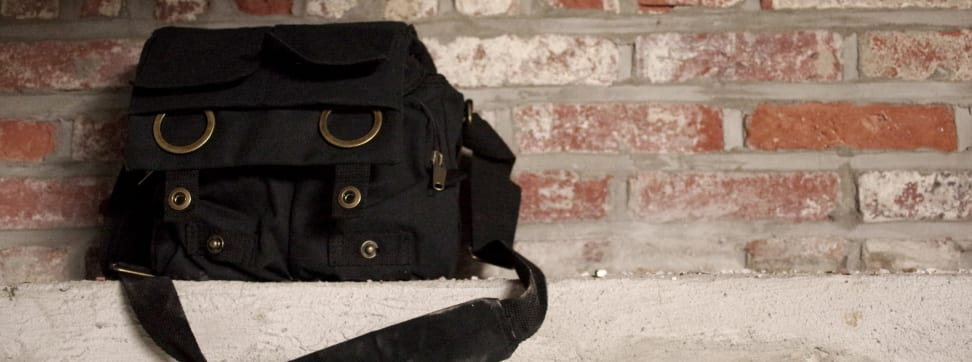 This is our review of the Retro DSLR Canvas Camera Bag from LoveCases.co.uk