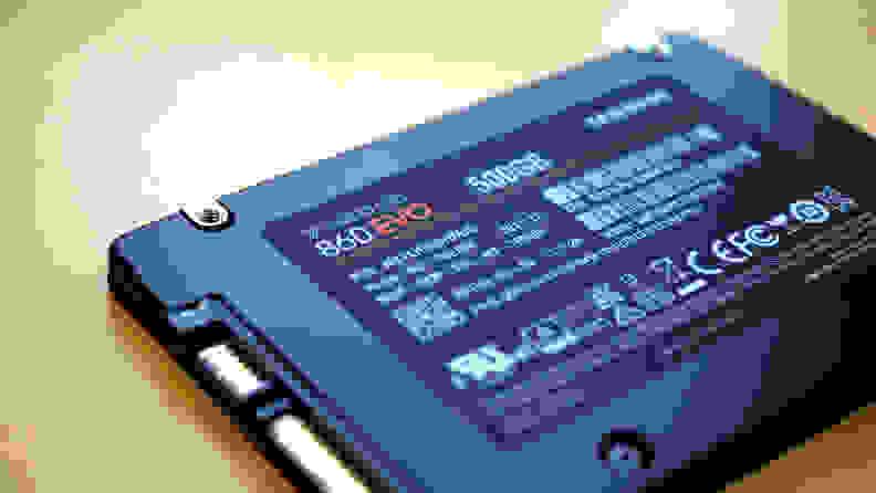 A photo of the Samsung 860 EVO SSD
