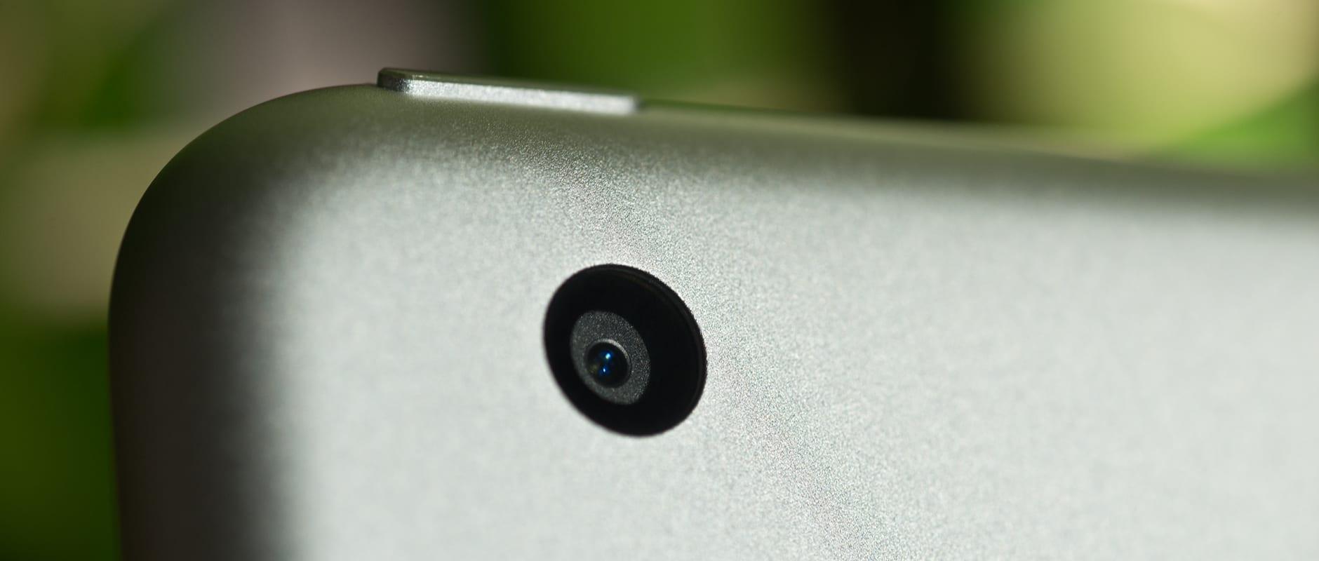 A photo of the Apple iPad mini 3's camera.