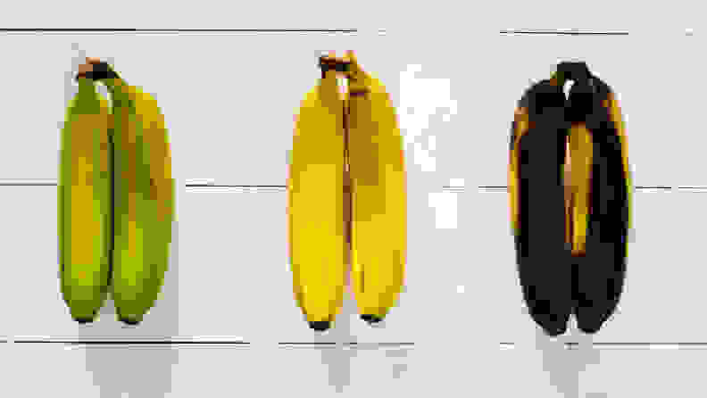 A series of bananas, from underripe to overripe. Of course, we all know from the Chiquita Banana song that you should never put bananas in the refrigerator—this is merely to show the effects of allowing fruits to become overripe.
