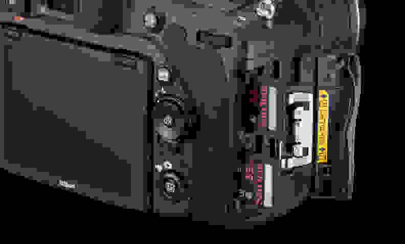 NIKON-PHOTOKINA-DUAL-CARD-SLOTS.jpg