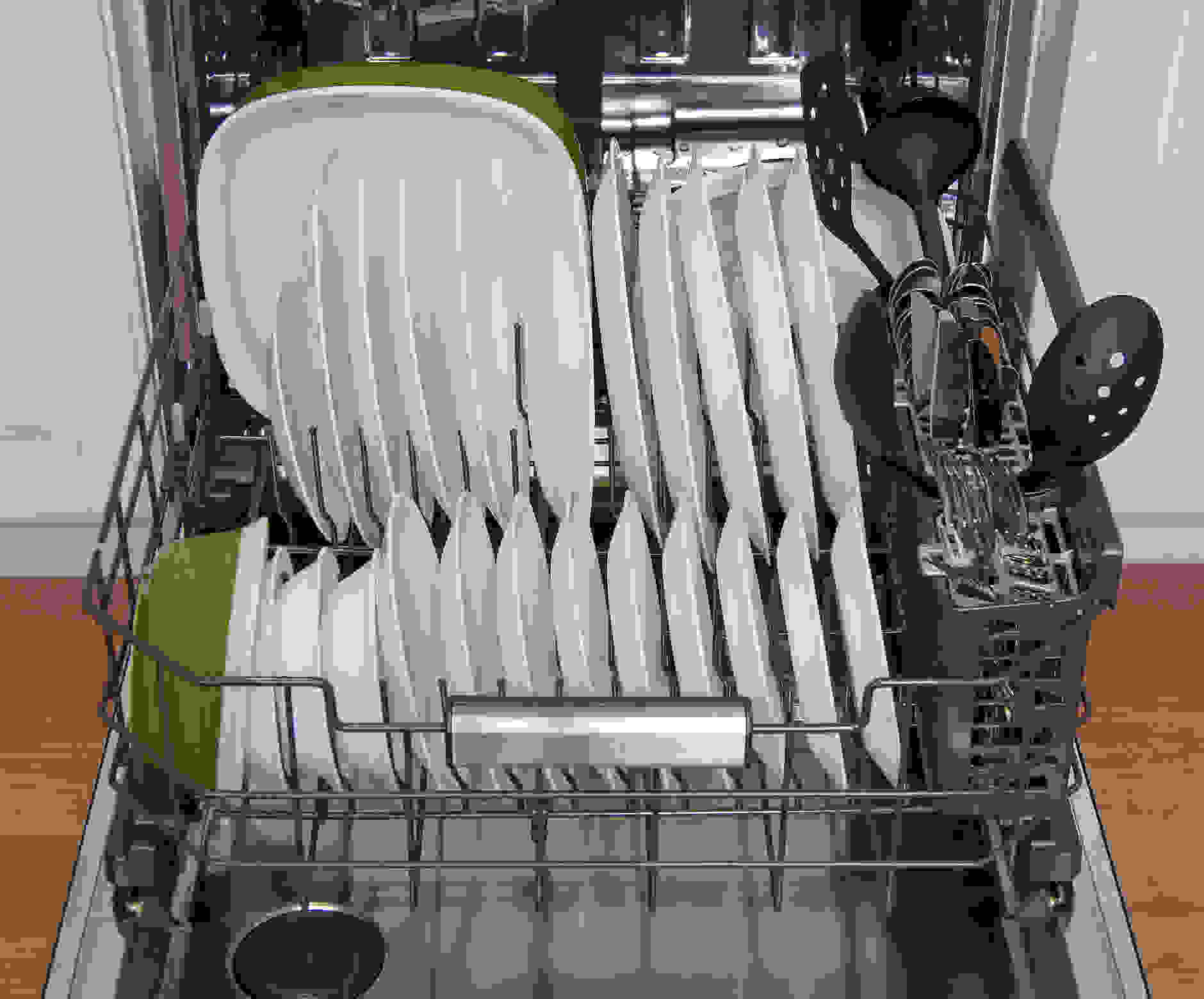 GE Monogram ZDT800SSFSS bottom rack capacity