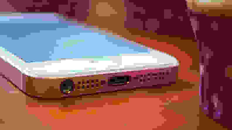 Apple iPhone SE Headphone Jack