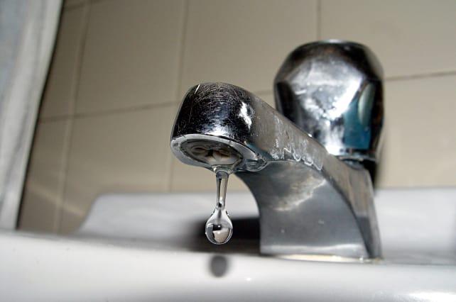 Dripping_faucet.jpg