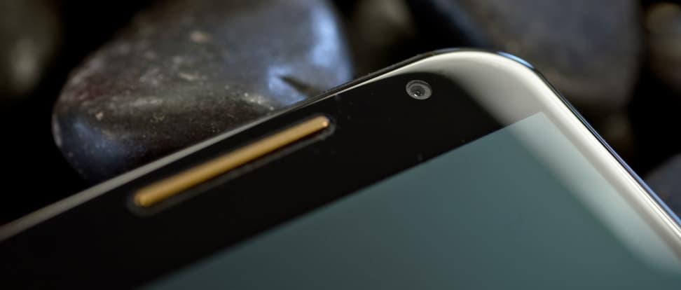 motorola-moto-x-2014-review-design-front-camera.jpg