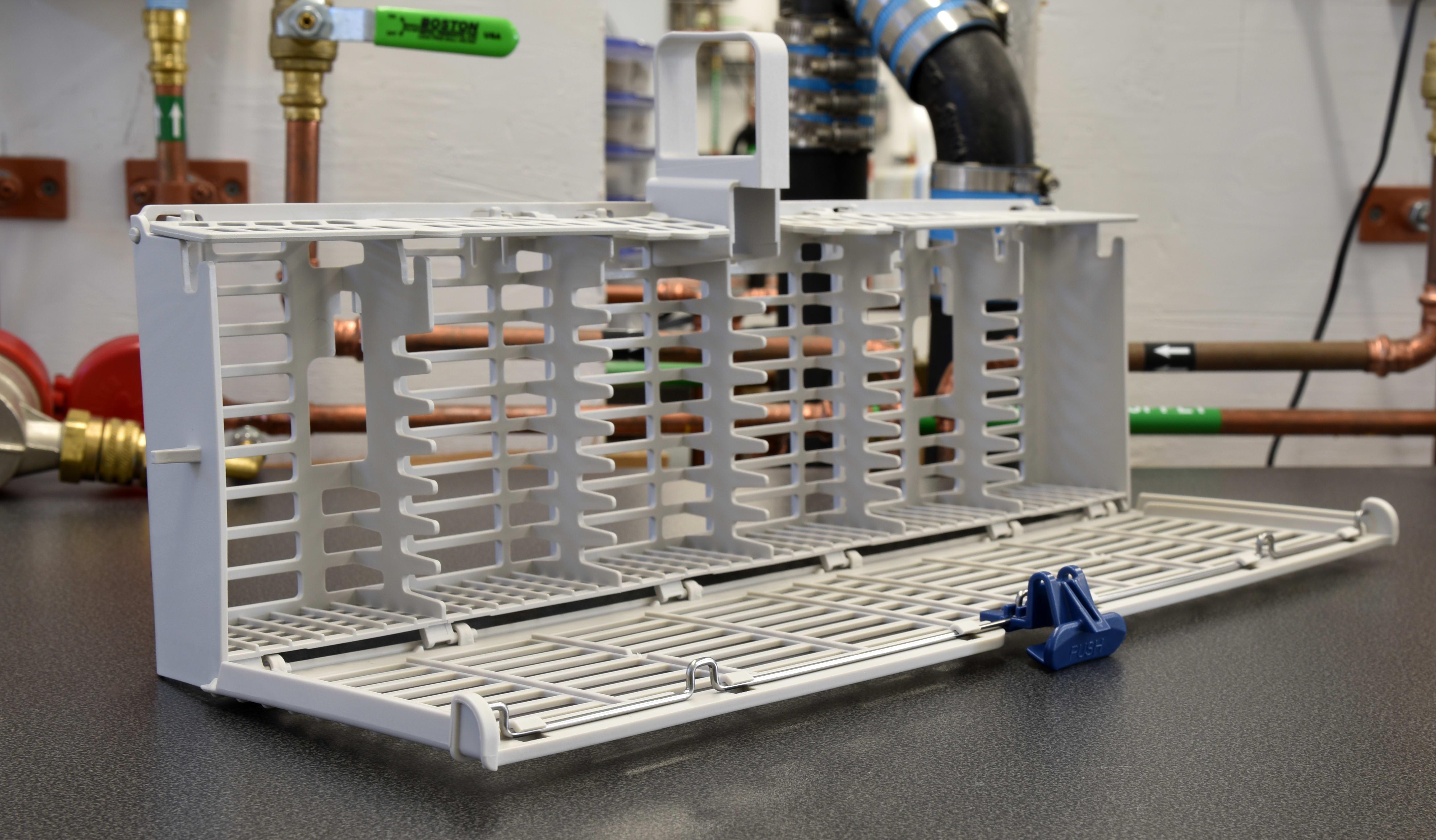 Whirlpool WDF540PADM opened cutlery basket