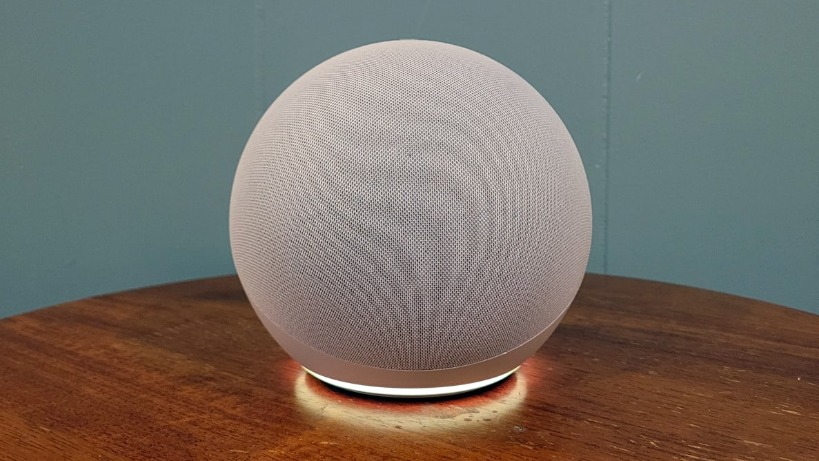 Echo with yellow notification light