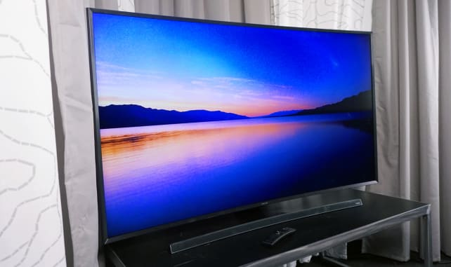 curved-TVs-angle