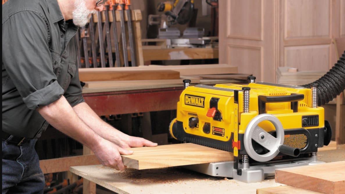 DeWALT DW735 benchtop wood planer