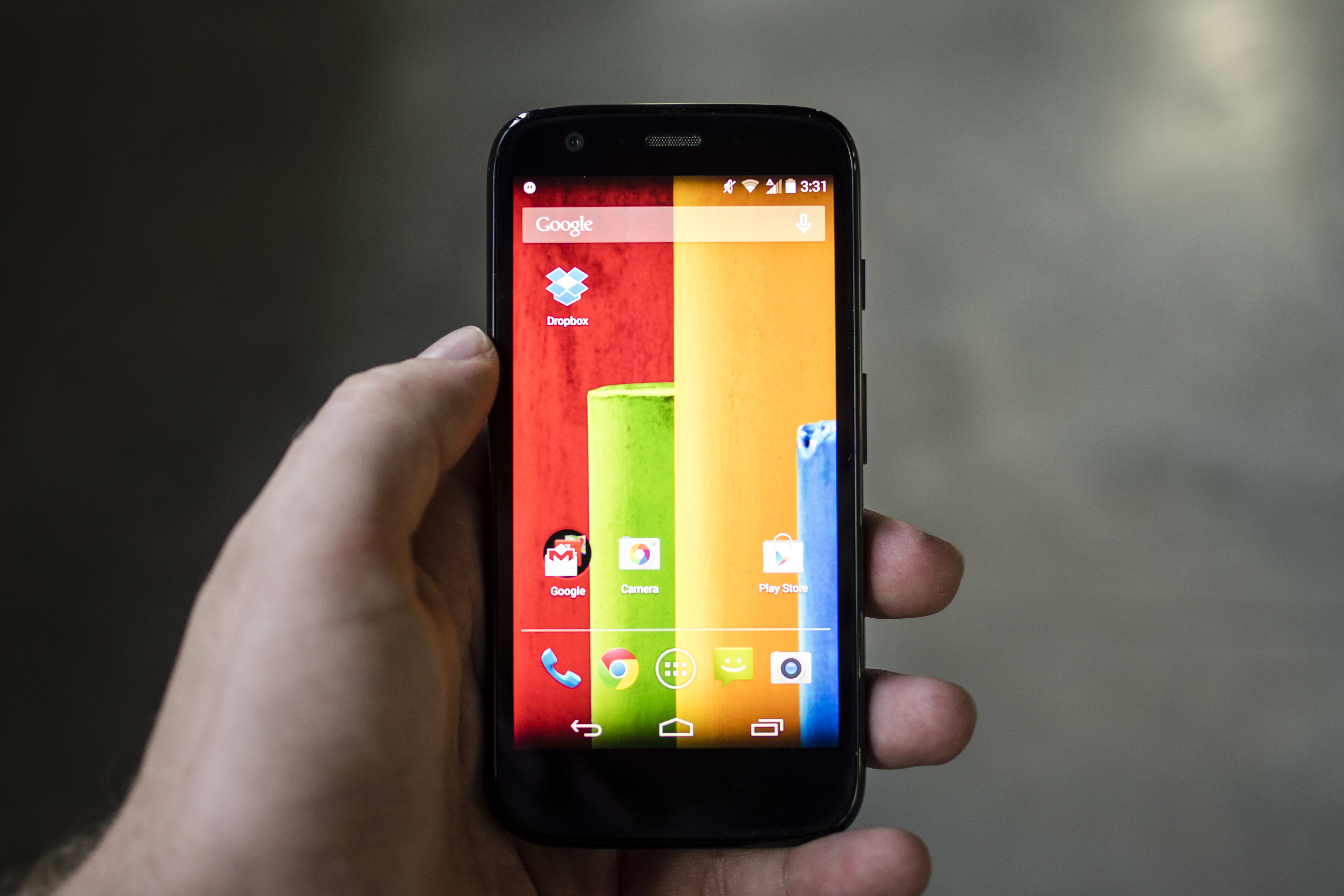 A photo of the Motorola Moto G with 4G LTE in hand.