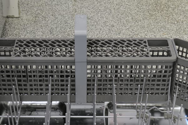 KitchenAid KDTM704ESS cutlery basket