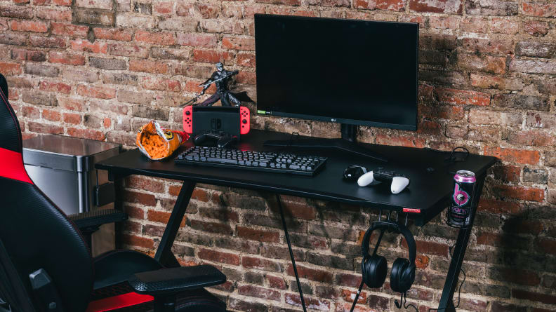 A photo of our Best Overall gaming desk.