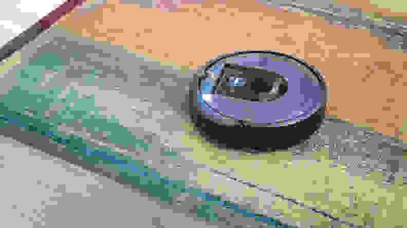 iRobot Roomba i7+ Hero