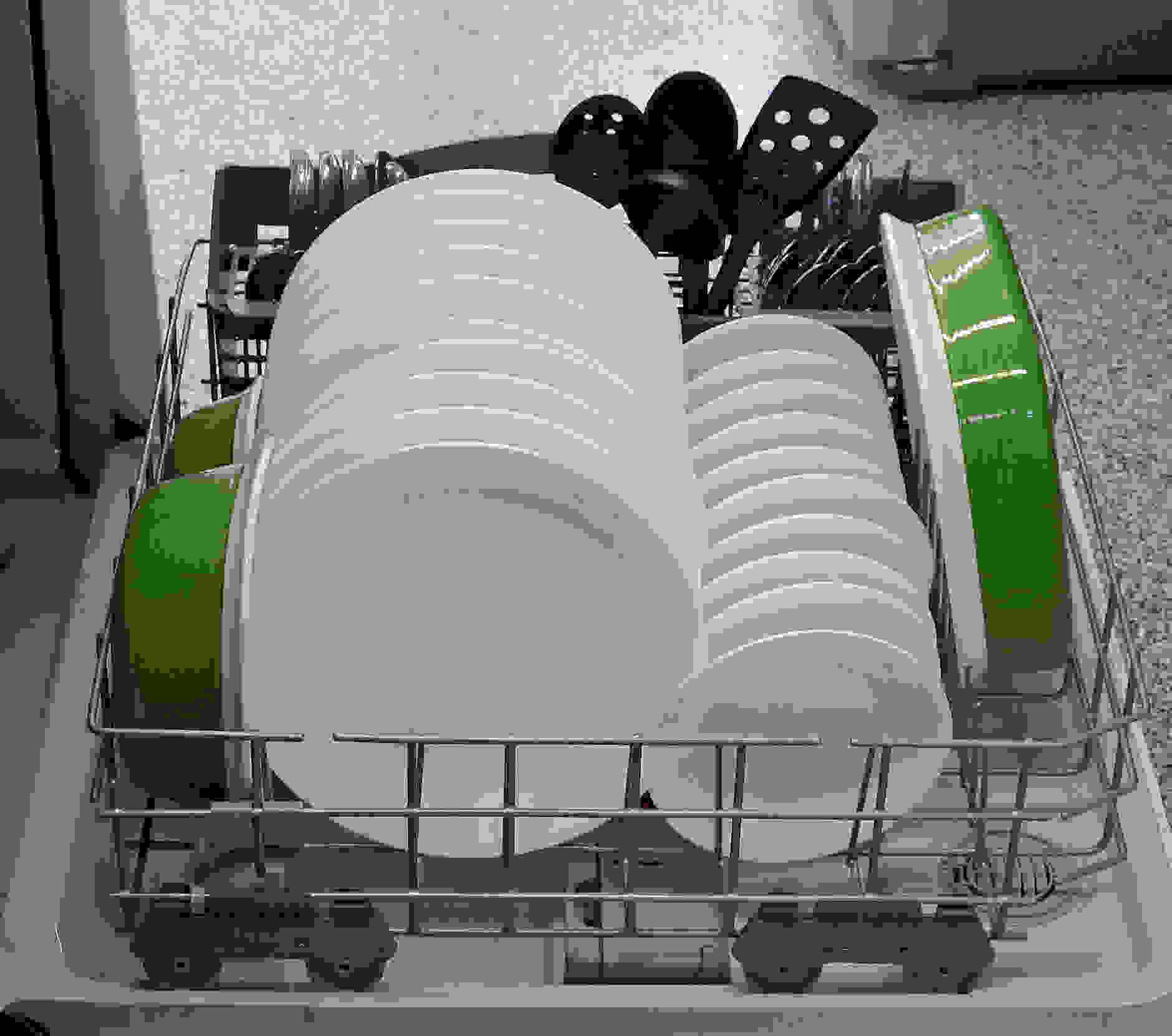 Kenmore 13042 bottom rack capacity