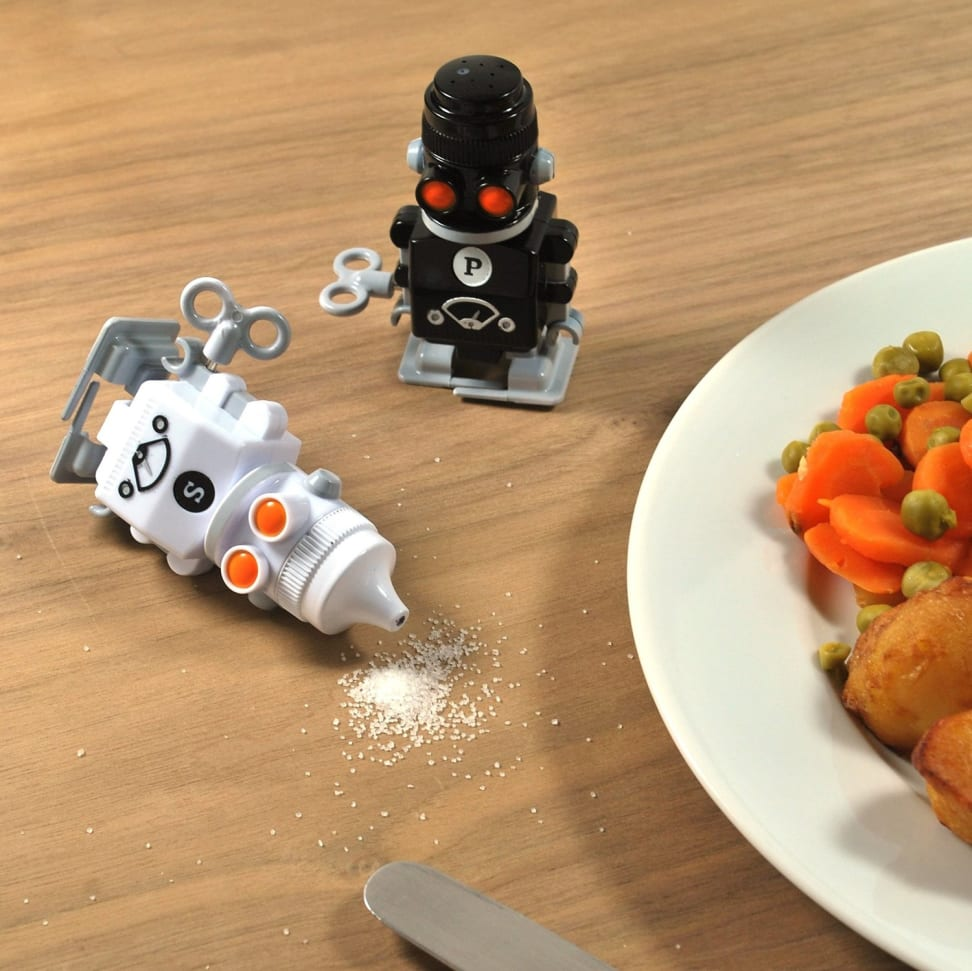 Add a little fun to your dinnertime routine with these wind-up salt and pepper shakers.