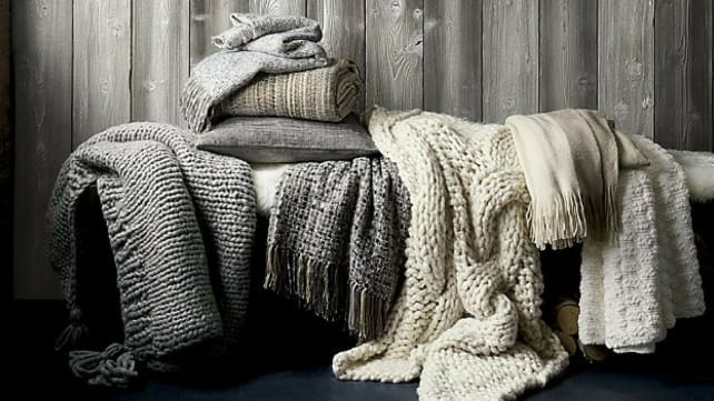 Throw-blankets-Pottery-Barn