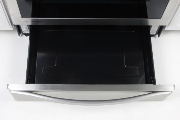 The Samsung NX58H9950WS's warming drawer