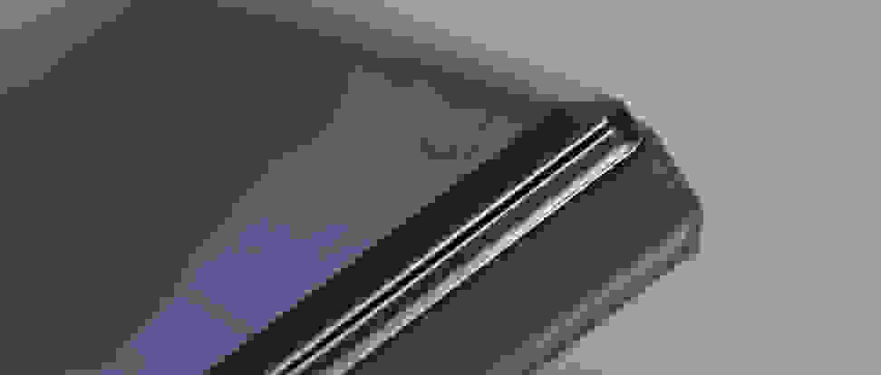 sharp-aquos-crystal-review-design-chamfer.jpg