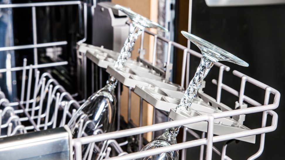 KitchenAid-KDFE104HPS-stemware-holders