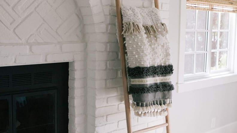 Sandstone_Sage-blanket-ladder