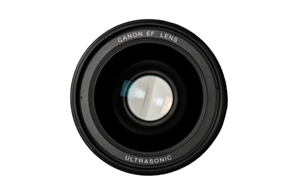 A front view of the EF 35mm f/1.4L USM.