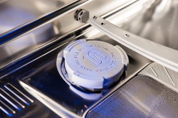 Thermador Sapphire DWHD650JPR salt dispenser