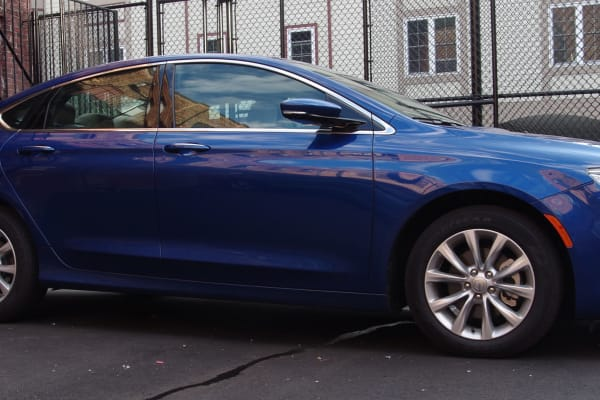 Chrysler 200 exterior